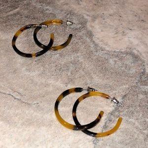 Jewelry - LAST ONE⭐️Cheetah Print Hoop Earrings